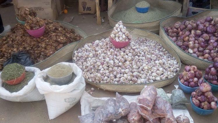 Des épices exposés à la foire agricole des maraîchers d'Agadez