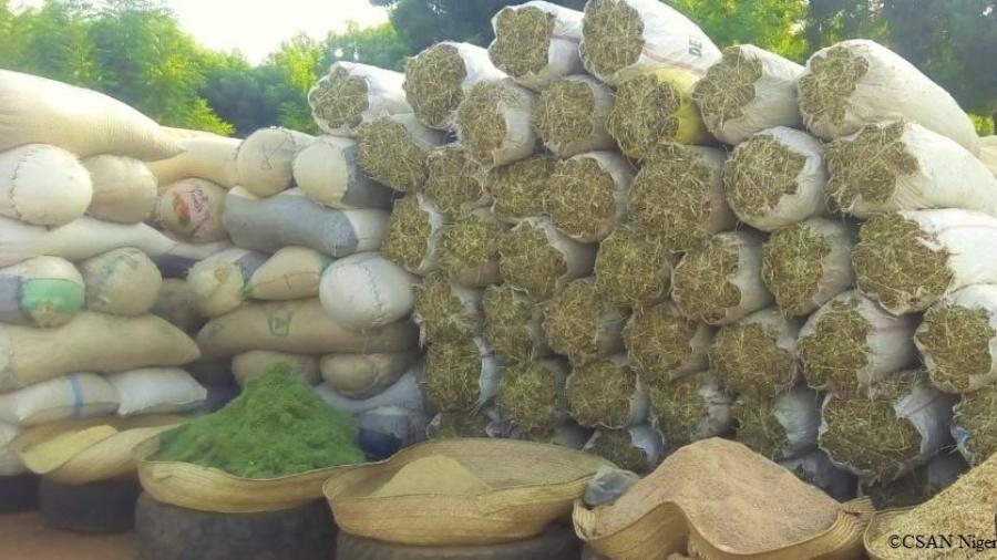 Aliment bétail vendu sur un marché de Niamey
